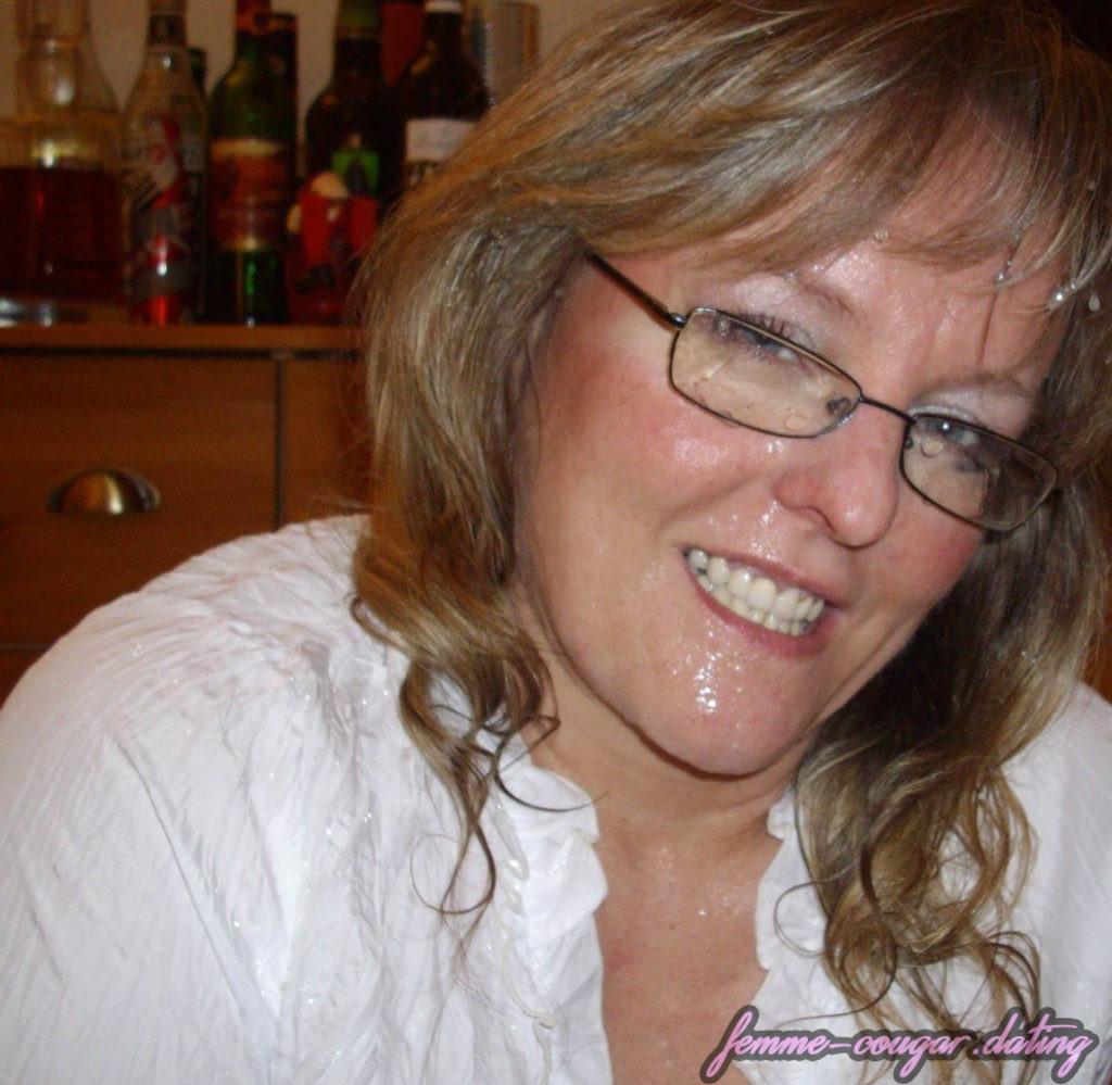 Dominatrice, femme cougar blonde et dominatrice de 51 ans (5)